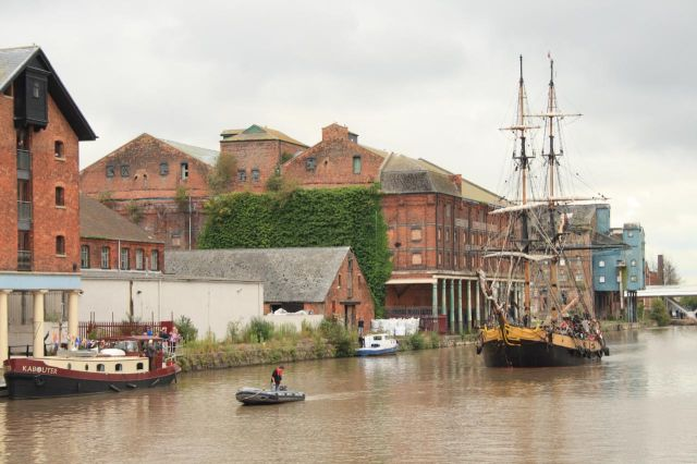 Tall Ship arriving at Gloucester Docks